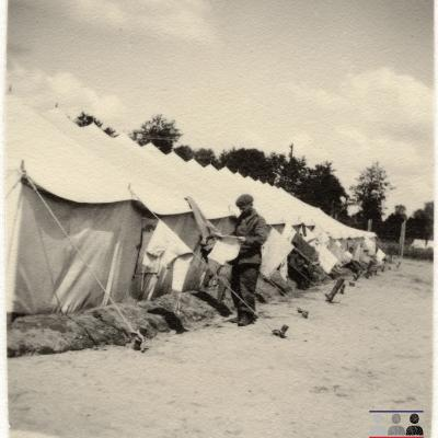 ©ICRC/1940.07.31/War 1939-1945. Schubin. Stalag  XXI B, English prisoners of war camp. Drying the washing/ICRC Photo Library V-P-HIST-01245-03