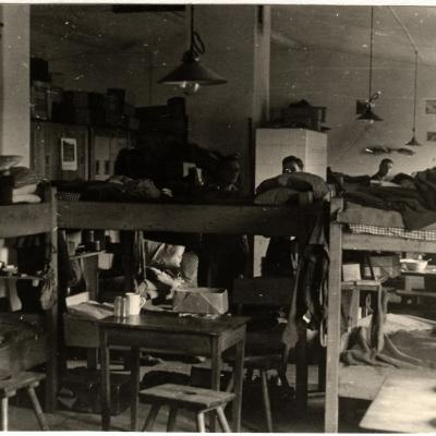 ©ICRC/ 1942.09.25/War 1939-1945. Schubin. Oflag XXI B, prisoners of war camp. RAF officers dormitory/ICRC Photo Library V-P-HIST-01589-06